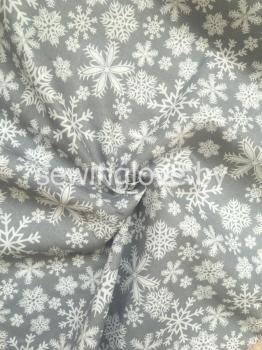 Ткань серая с белыми снежинками