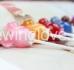 Леденец на палочке клубника со сливками (розовый)_0