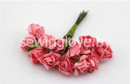 Розы бумажные коралловые